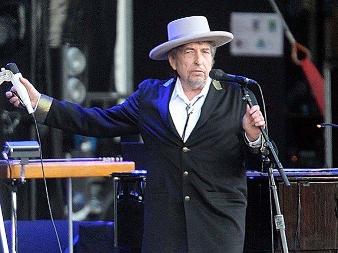 Bob Dylan acepta el Nobel pero no confirma si asistirá a la entrega