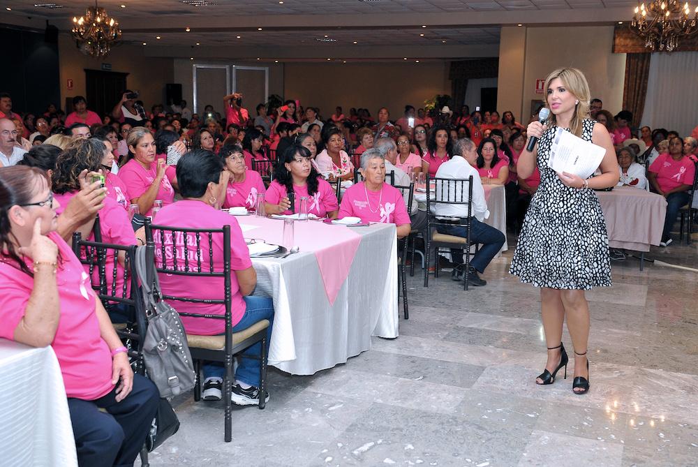 Llama Gobernadora Pavlovich a prevenir el cáncer de mama