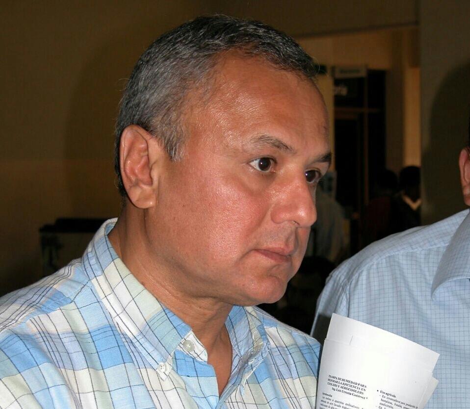 Justicia torcida: criminaliza a Mario Aguirre y dispensa a Padrés