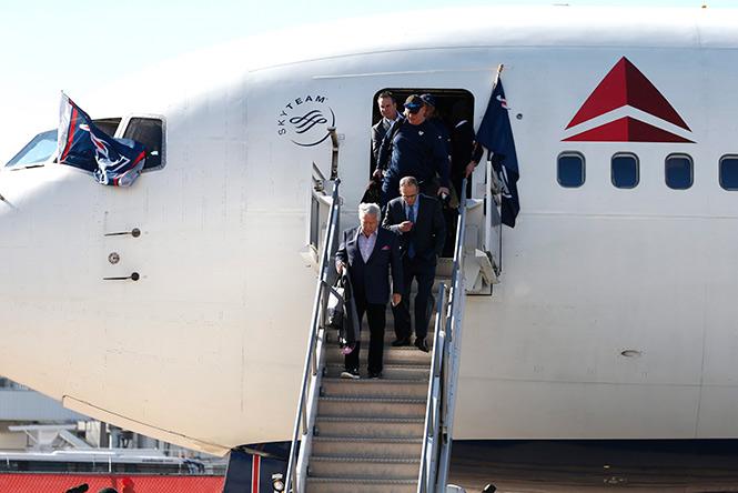 Brady y los Patriotas llegan a Houston para el Super Bowl LI