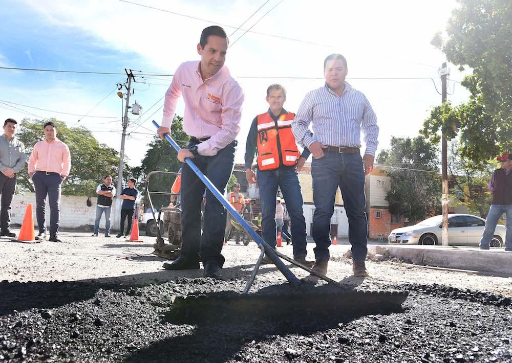 Anuncia Maloro Acosta reparación de medio millón de baches este año