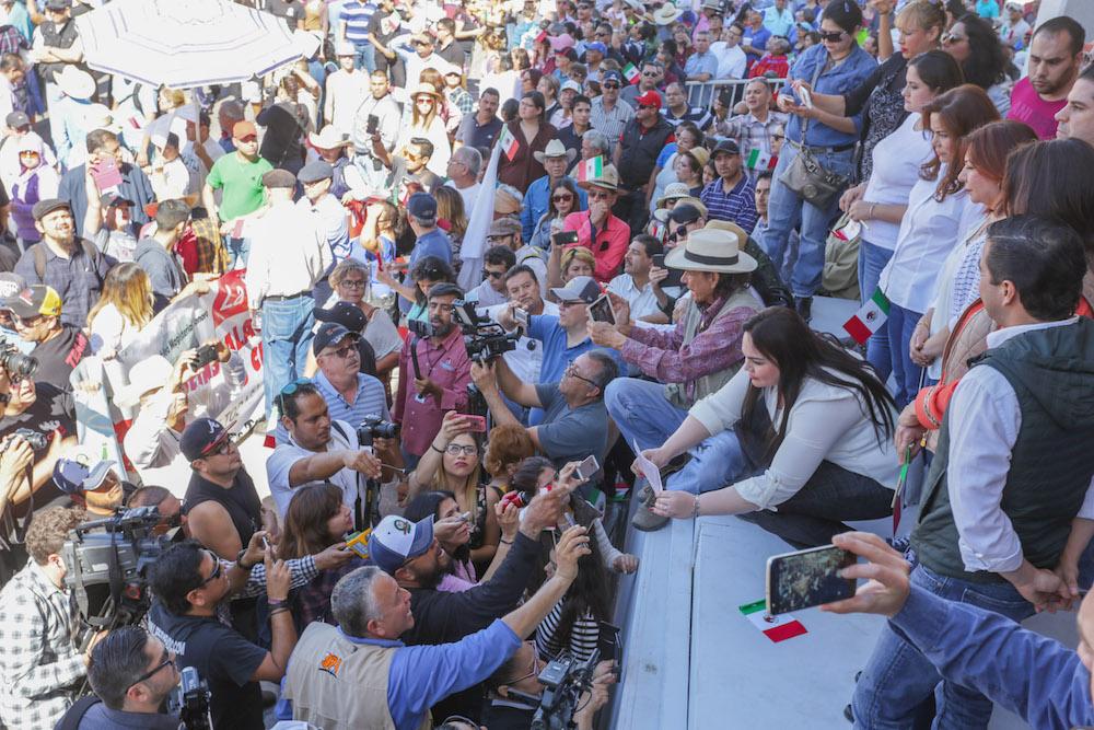 Reciben diputados locales pliego petitorio de ciudadanos manifestantes