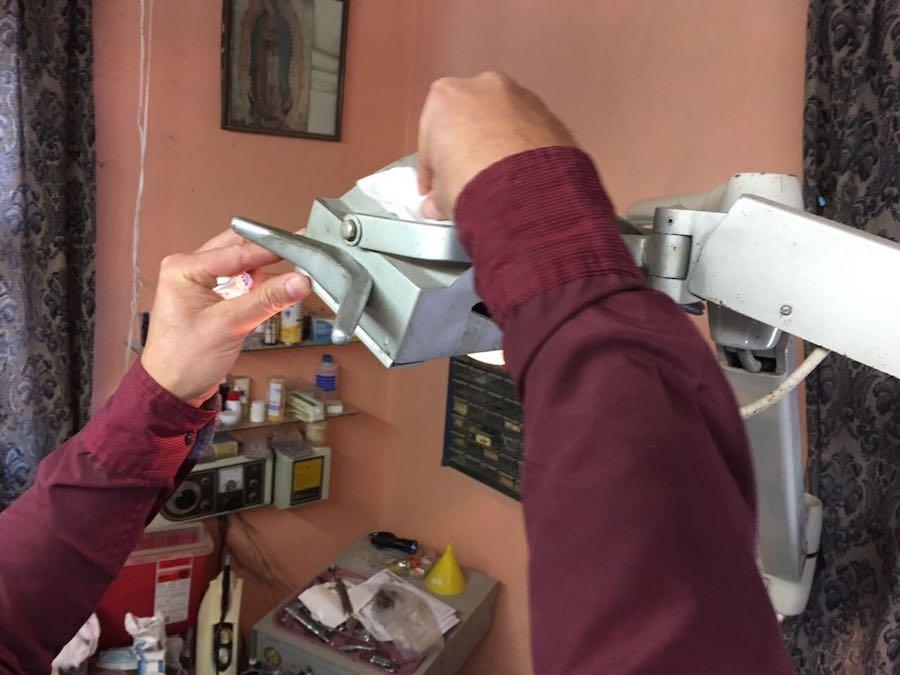 Suspende COESPRISSON establecimiento dental no autorizado en Álamos