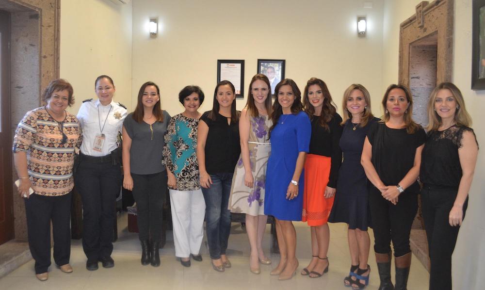 Reúne Instituto Hermosillense de la Juventud a mujeres exitosas