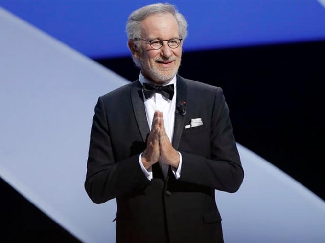 Spielberg defiende la experiencia de acudir al cine
