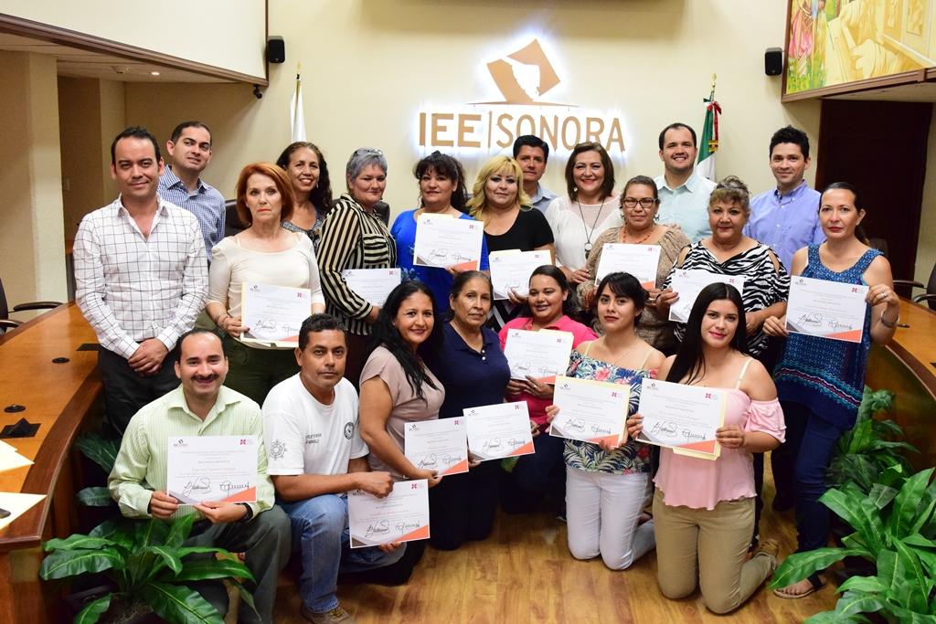 Reconoce IEE Sonora a personal de bibliotecas del estado