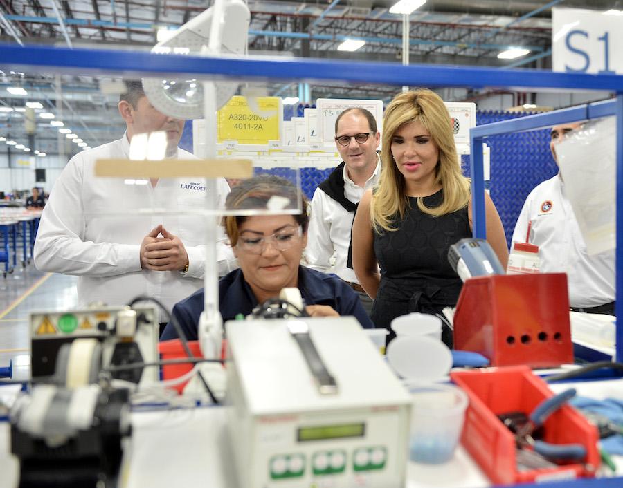 Resalta Gobernadora Pavlovich mano de obra sonorense en industria aeroespacial