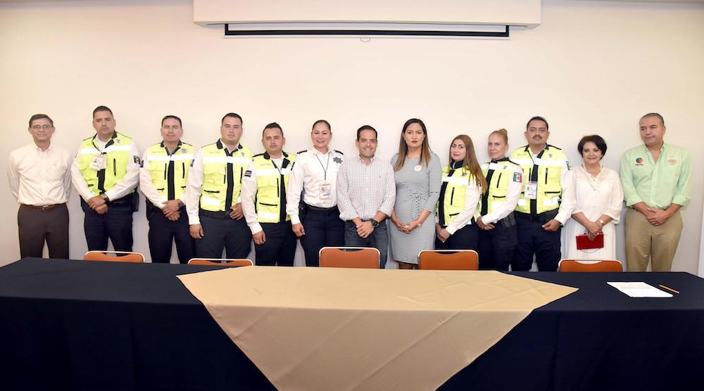 Presenta Maloro Acosta a la Policía Turística Municipal