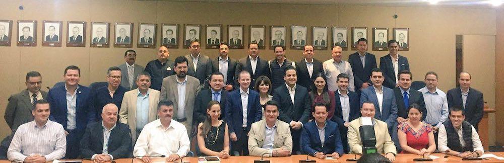 Se reúnen presidentes estatales del PAN con la dirigencia nacional