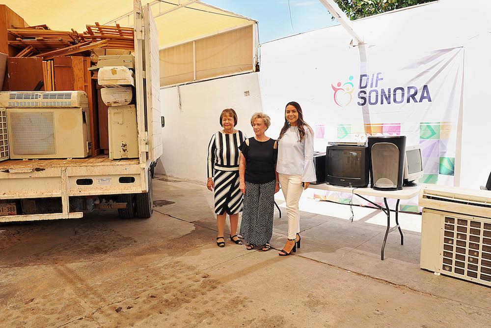 Dona Voluntariado de Secretaría de Hacienda mobiliario a DIF Sonora