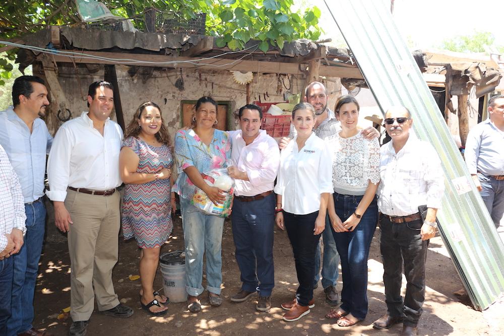 Atiende Gobernadora Pavlovich damnificados por lluvias en Huatabampo