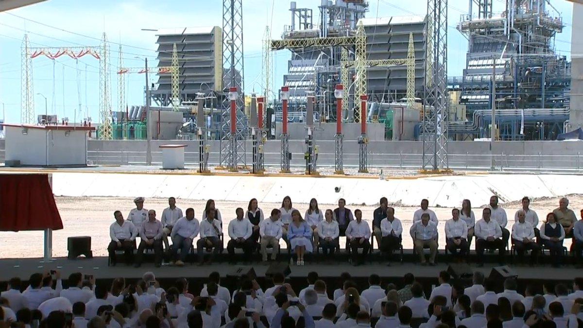 Inaugura Peña Nieto la planta Empalme I de la CFE