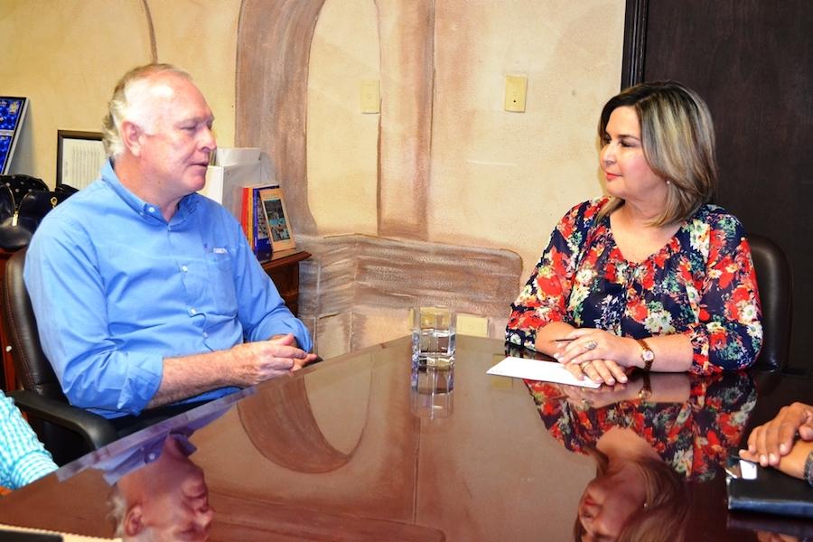 Estrechan lazos alcaldesa Karina García y director del sistema CONALEP