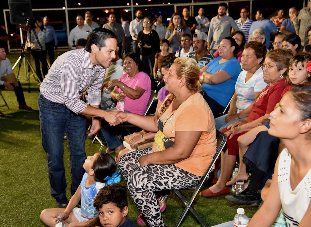 Pone Maloro Acosta Manos a la Obra en colonia Villa Verde