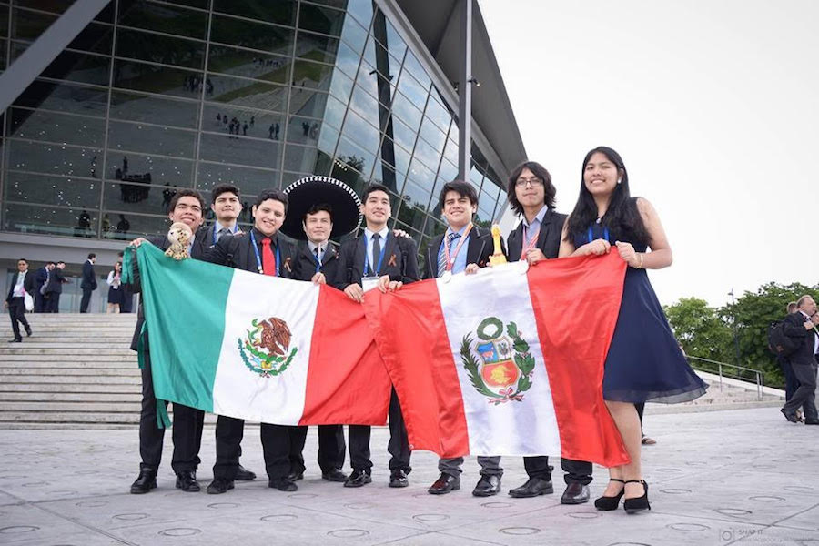 Se prepara Brayan Ramírez para Olimpiada Iberoamericana de Química