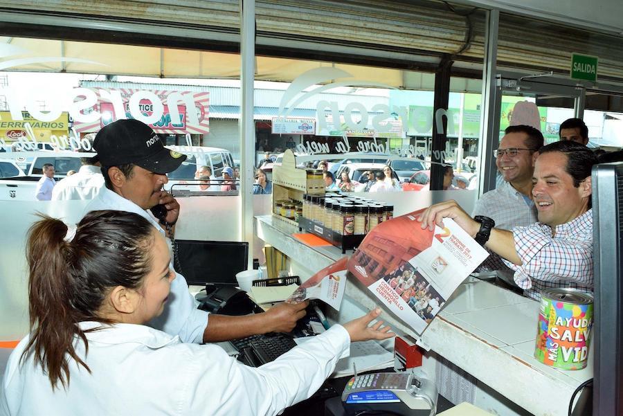 Lleva Maloro Acosta buenas noticias a locatarios del Mercado No. 2