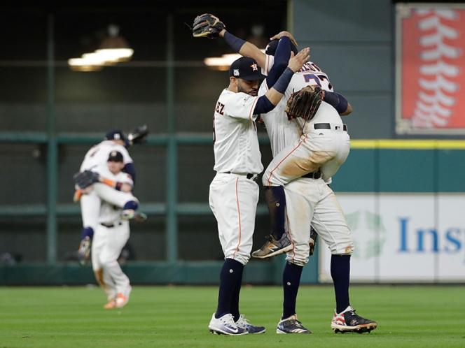 Los Astros despegan a la Serie Mundial