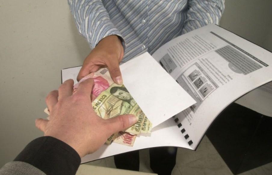 Algunos directores de escuelas llegan y exigen rifas ¡Aman el dinero ajeno!