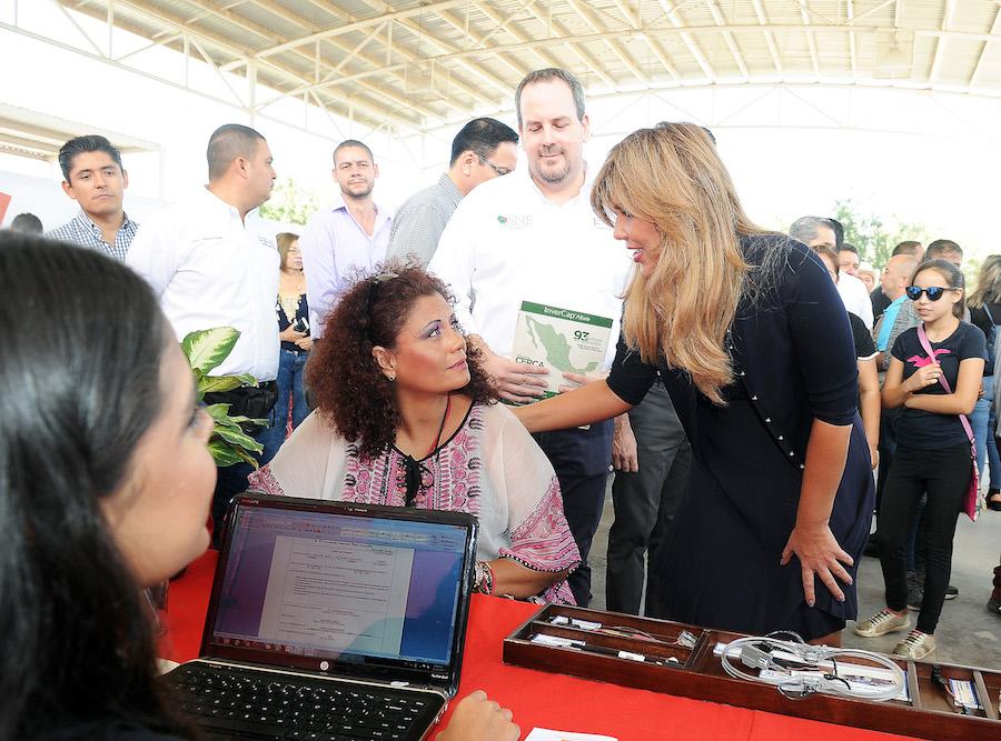 Con proyectos productivos otorga Gobernadora Pavlovich oportunidades a familias