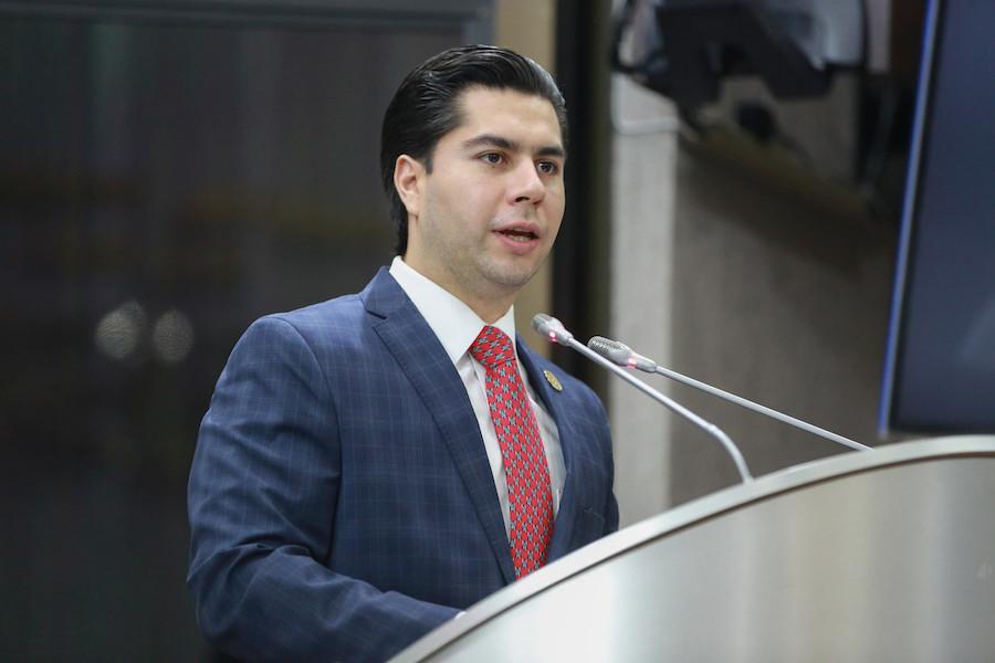 Exhorta Emeterio Ochoa a los municipios que ofrezcan incentivos fiscales