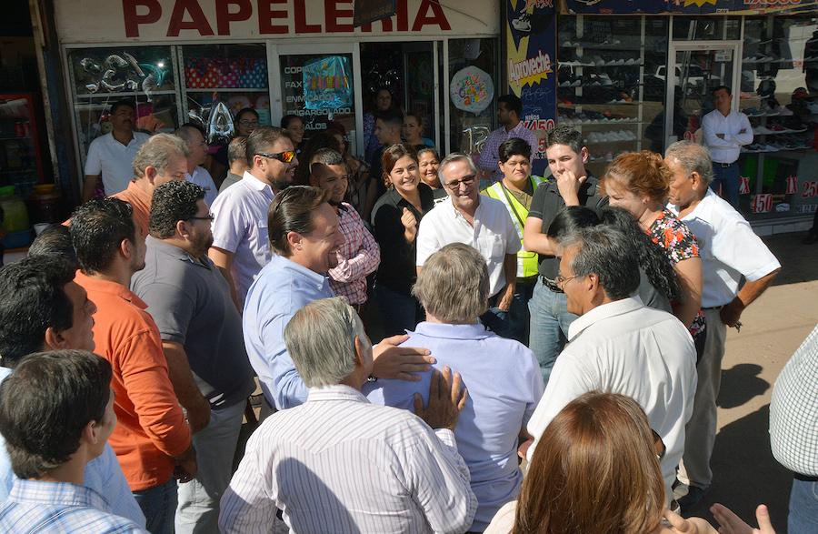Apoya alcalde Faustino Félix Chávez a comerciantes de calle Sinaloa