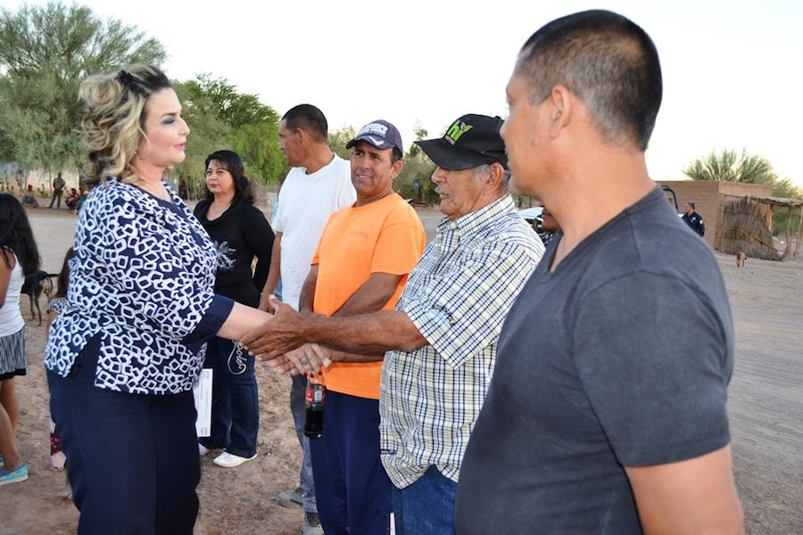 Entrega alcaldesa 13 acciones de vivienda en el Ejido Jesús García
