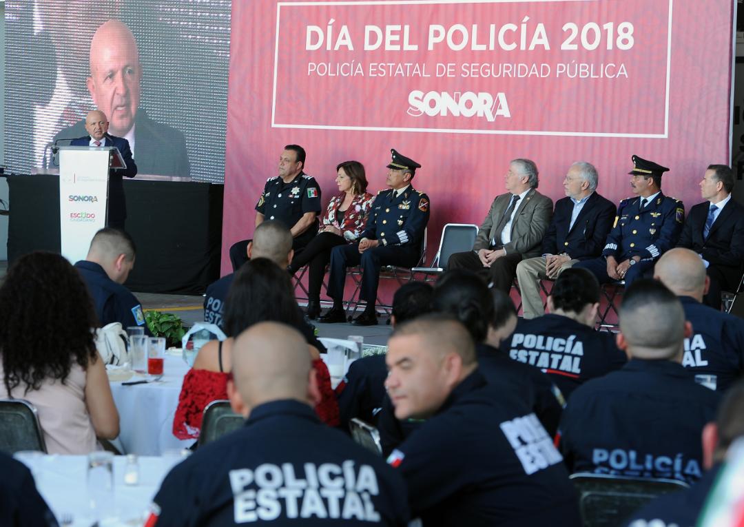 Llama Secretario de Seguridad a valorar más la función policial
