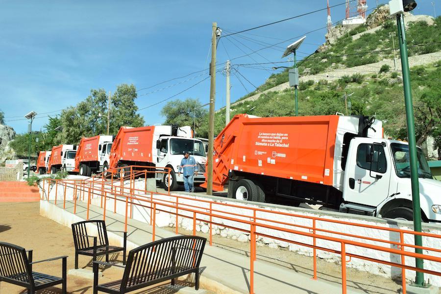 Que ya entraron los 5 carros de la basura ¿y porque no hay servicio?