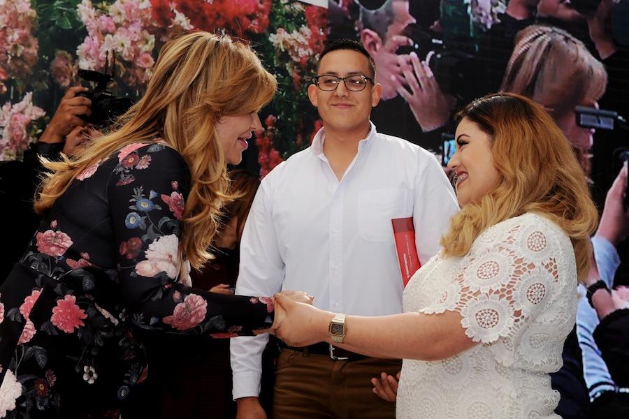 Atestigua Gobernadora Pavlovich Matrimonios Colectivos en Hermosillo