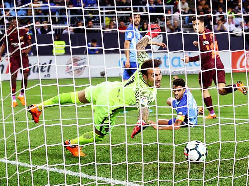 Coutinho y Suárez cubren la ausencia de Messi