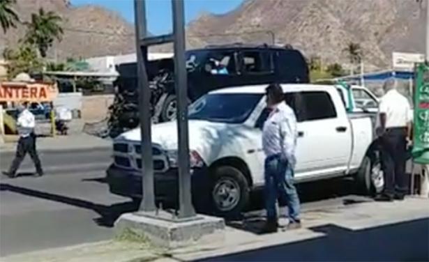 Trasladan a comandante ejecutado de Guaymas en una grúa