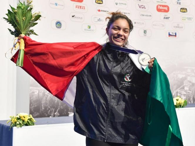 Mexicana Natalia Botello gana plata en Mundial de Esgrima