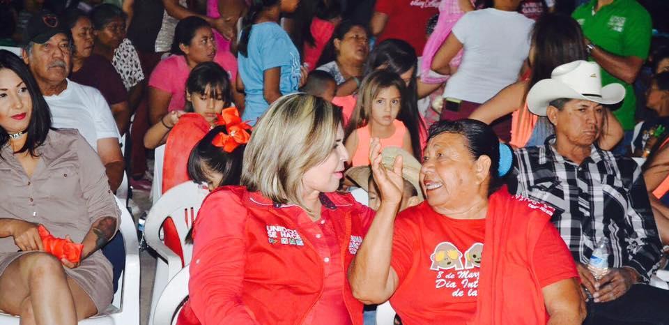 Karina García con la Costa de Caborca y con Pitiquito