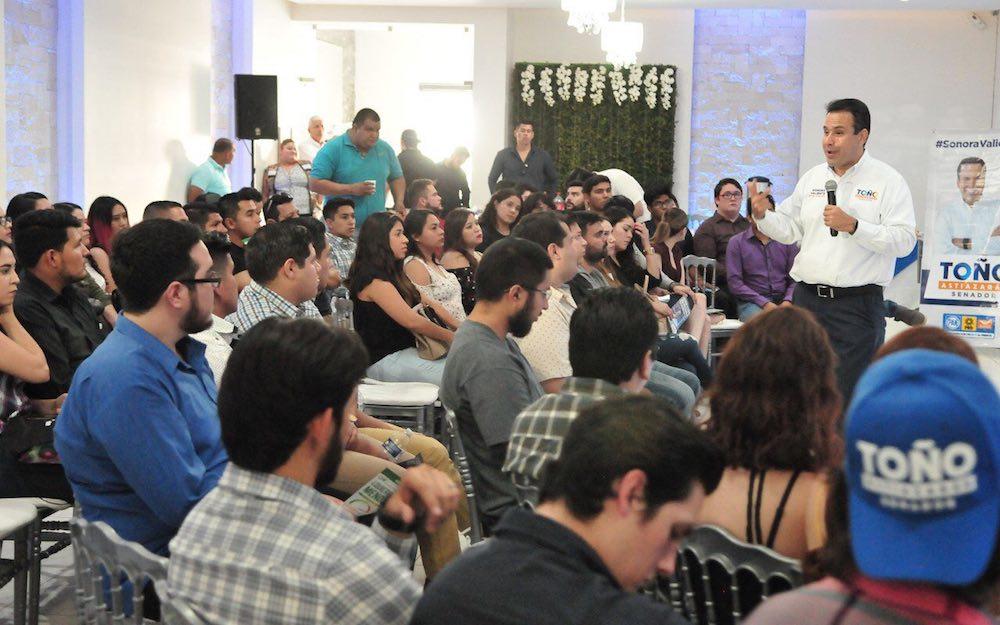 Plantean Toño y Lety una propuesta innovadora para fortalecer la educación en Sonora