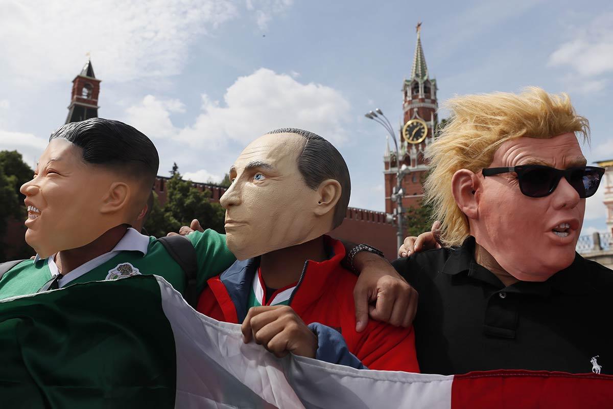 Mexicanos le ponen picardía al primer día del Mundial