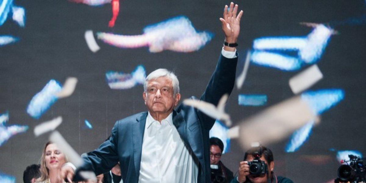 ¿Sigue en campaña López Obrador? ¿No debería parar el reparto de limosna?