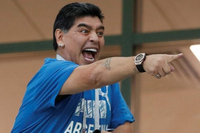 Maradona, maneja ebrio y se casa de nuevo