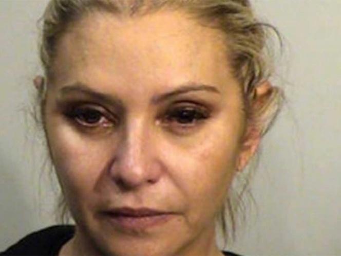 Detienen a Daniela Castro por robar ropa