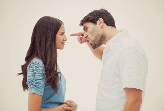 El machismo intenta reducir a la mujer a esposa de aquel ¿De verdad?