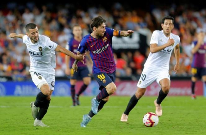 Barcelona no pasa del empate ante el Valencia