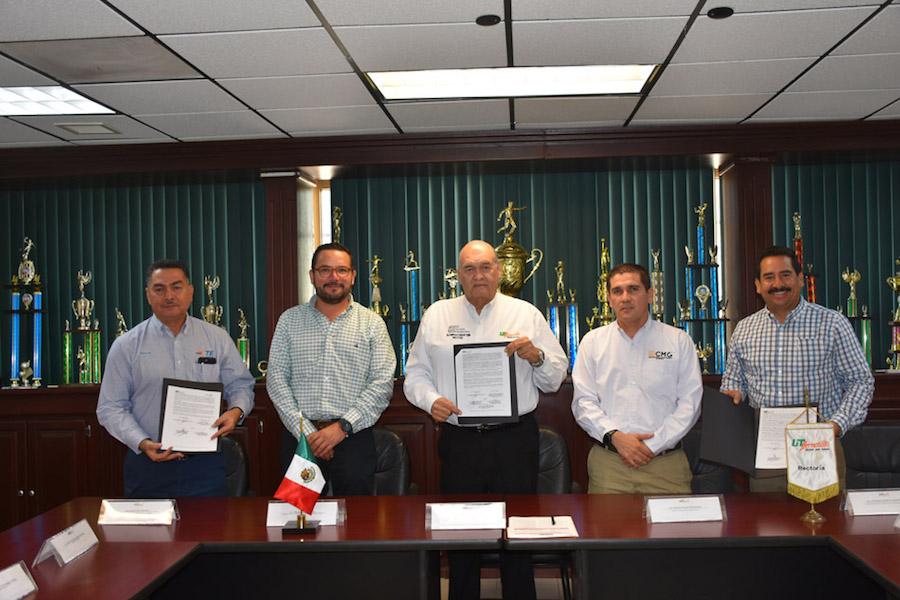Firma UTH convenio de colaboración con empresas transnacionales