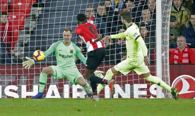 Ter Stegen rescata punto para el Barcelona