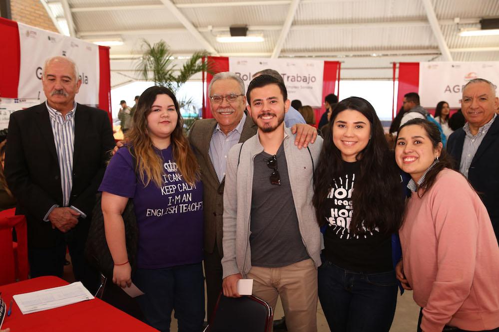 Buscan Secretaría del Trabajo y UES inclusión laboral de jóvenes
