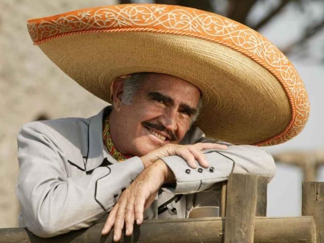 Vicente Fernández rechaza trasplante de hígado; temía que fuera de un gay