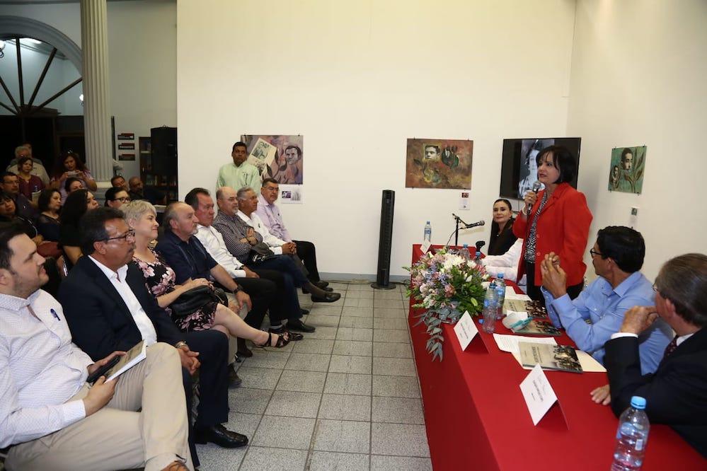 Culminan actividades conmemorativas del 100 aniversario del Día del Maestro