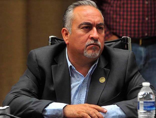 """Sube de tono affaire del """"alcalde"""" de Bácum y el Congreso"""