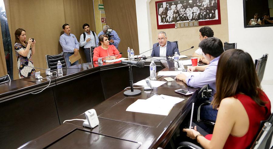 Ofrece Comisión por procedimiento audiencia a alcalde de Bácum