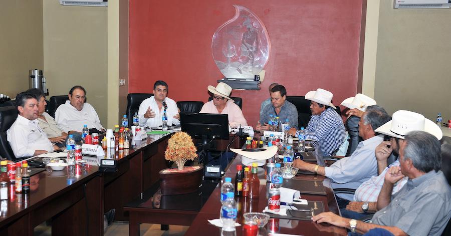 Se privilegian las obras de distribución de agua para los sonorenses: Miguel Pompa