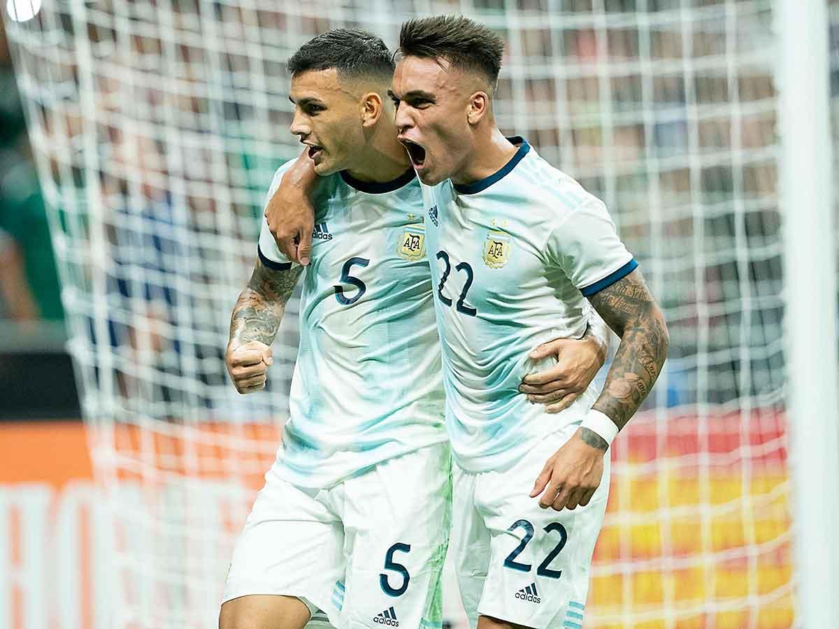 Argentina golea al Tri y termina con invicto del 'Tata'