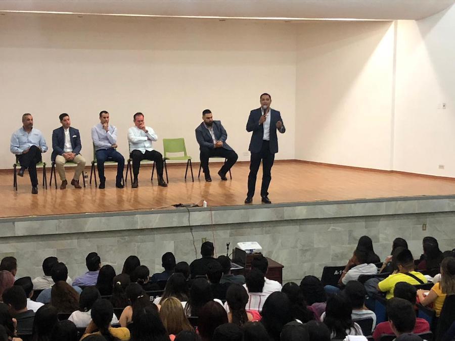 Capacita Secretaría de Economía a empresarios y emprendedores universitarios en Cajeme